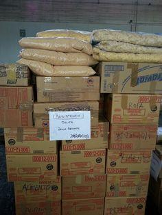 Parte de las 77 toneladas donadas con destino a una salita de Santiago del Estero.