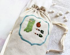 This is hand embroidered pouch with gardening tools on lovely spring inspiration. Embroidery Patterns, Hand Embroidery, Embroidered Bag, Gardening Tools, Natural Linen, Bag Storage, Pouch, Spring, Fabric