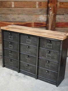 ancien grand meuble 12 casiers industriel strafor plateau chene massif