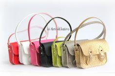 Satchel Bag - Miniature for Blythe doll (select colour). €20.00, via Etsy.
