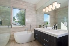 House in Venice Beach   HomeAdore Gorgeous modern design bath tub & floating dual sink vanity with single hole faucets & integrated sink