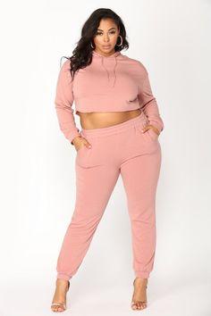ec5ba29750d56e plus-size #FashionTrendsPlusSize Big Girl Fashion, Fashion Top, Ootd  Fashion, Curvy