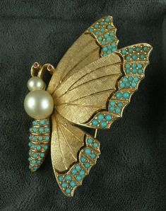 Ciner Butterfly Pin