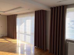 Nowoczesne tkaniny dekoracyjne, zasłonowe, woale, muśliny, firany, plisy, rolety, shutters to tylko niektóre z propozycji dekorowania przestrzeni okna.  Nasze produkty są niezbędnym elementem do wykończenia dobrze zaprojektowanego wnętrza.