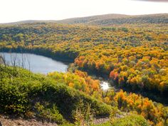 Beautiful fall color at Lake of the Clouds in the Porcupine Mountains!