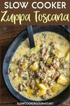 Slow Cooker Zuppa Toscana If you love this classic favorite soup from a restaurant then you will love making your own at home! Slow Cooker Zuppa Toscana is packed full of juicy sausage, tender potatoes and ton of flavor! Crock Pot Slow Cooker, Slow Cooker Recipes, Cooking Recipes, Crock Pot Sausage, Best Crockpot Recipes Ever, Hamburger Potato Soup, Slow Cooker Hamburger Soup, Slow Cooker Chilli, Sausage Potato Soup