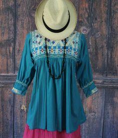 Medium Turquoise & Cream Hand woven Blouse, Chiapas Mexico, Hippie Boho Cowgirl #Handmade #blouse