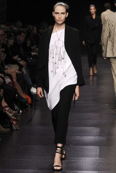 Ann Demeulemeester Spring 2009 Ready-to-Wear Collection Photos - Vogue