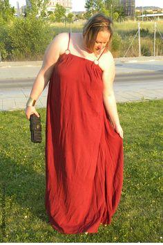 Trendy Curvy - Plus Size Fashion BlogTrendy Curvy Vestido largo color teja talla grande @mango. LOOKS CASUALS. #loslooksdemiarmario #verano #summer #lookverano #vestidolargo #vestidogriego #look #lookverano #lookcasual #lookschic #tallagrande #curvy #plussize #curve #fashion #blogger #madrid #bloggercurvy #personalshopper #curvygirl #primark #mostaza #rojo #teja #caldero