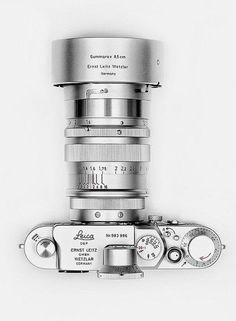 I drool. All silver Leica.