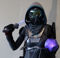 Destiny Hunter Mask and Armor Cosplay Build - SKS Props Destiny Cosplay, Epic Cosplay, Cosplay Outfits, Cosplay Costumes, Halloween Costumes, Anime Cosplay, Destiny Hunter, Destiny Game, The Birthday Massacre