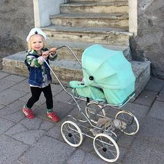 Dolls Prams, Vintage Dolls, Baby Strollers, Children, Instagram, Kids, Baby Prams, Young Children, Boys