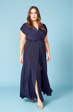 Cool News! Ripley Rader Dives into Plus for Spring! http://thecurvyfashionista.com/2017/05/cool-news-ripley-rader-dives-into-plus-for-spring/  Are you looking for plus sized minimalist pieces to add to your wardrobe? Ripley Rader launches their plus size collection, and we're giving you a first look.