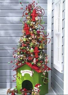 I would totally do this for my dog. It looks straight out of How the Grinch Stole Christmas