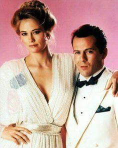 Moonlighting TV show. Cybill Shepherd and Bruce Willis. 80 Tv Shows, Old Shows, Great Tv Shows, Movies And Tv Shows, Cybill Shepherd, Moonlighting Tv Show, Emission Tv, 80s Tv, Tv Shows
