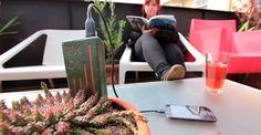 Chilenas crean cargador de teléfono que se enchufa a... las plantas