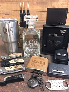 Wedding Gifts Guide – The best custom gifts for everyone in your wedding.  Your wedding is coming up quick and your freaking out because you just realized that you need gifts for your entire wedding party, well you came to the right place!  Everything Decorated is one of the top custom wedding gifts supplier on the internet with over 15,000 five star reviews on ETSY.  Below is a list of some of our best selling custom wedding gifts and favors.  Please note that each item can be customized!