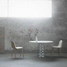 GU Aoyama table space 1