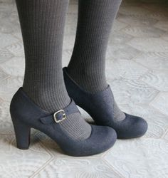 Chie Mihara: Online shoes' store:: Shoes store 966 980 415 - New Shoes Styles & Design Sock Shoes, Shoe Boots, Shoes Heels, Pumps, Shoe Bag, Gray Heels, Dress Shoes, Pretty Shoes, Cute Shoes