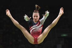 US gymnast Madison Kocian competes in the Uneven Bars event during the women's team final Artistic Gymnastics at the Olympic Arena during the Rio 2016 Olympic Games in Rio de Janeiro on August 9, 2016. / AFP / Ben STANSALL