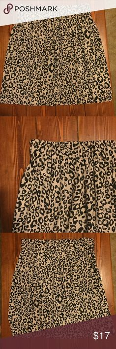 Holiday Sale🎄 Leopard skirt lined, cinched waist Leopard print skirt. Fully lined with a cinches elastic waist. Miami brand from Maurices, size large. In great condition. Maurices Skirts Mini