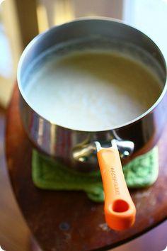 vegan cheez fondue - uses cashews for creaminess