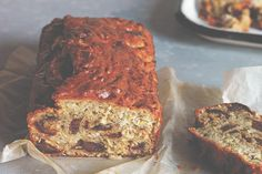 Nourishing banana bread wins people over time after time, even though it's quite different from traditional banana bread. This recipe uses dates to replace the refined sugars typically used, as well as a mixture of shredded coconut and brown rice flour in place of wheat flour.