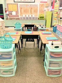 Classroom tour - 60 Gorgeous Classroom Design Ideas for Back to School – Classroom tour First Grade Classroom, Classroom Setting, School Classroom, Future Classroom, Elementary Classroom Themes, Elementary Teacher, Year 1 Classroom Layout, Mint Classroom, Classroom Color Scheme