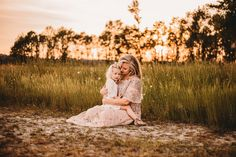 Mommy and Me – girl photoshoot poses Toddler Girl Pictures, Mommy Daughter Pictures, Mother Daughter Pictures, Family Pictures, Mother Daughters, Mommy Daughter Photography, Little Girl Photography, Children Photography, Photography Poses