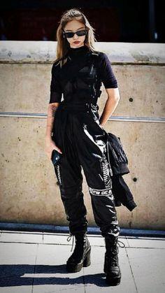 Seoul Fashion, Harajuku Fashion, Harajuku Style, Estilo Harajuku, Tokyo Fashion, Kawaii Fashion, Bad Girl Outfits, Edgy Outfits, Mode Outfits