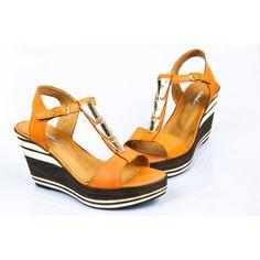 Oranžové dámske sandále na platforme - fashionday.eu
