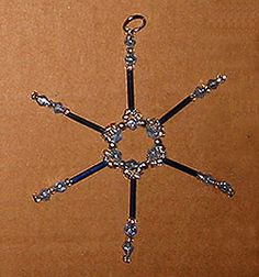 How to make beaded snowflake ornaments Beaded Snowflake, Snowflake Craft, Snowflake Ornaments, Christmas Snowflakes, Christmas Is Coming, Christmas And New Year, Christmas Holidays, Xmas, Christmas Projects