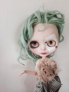 The Queen Of Hearts ~ custom doll ~ ooak ~ fashion doll ~ blythe doll ~ big eyes…