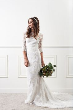 By Malina Enid in Lotus lace