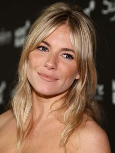 Hair Styles Long Bangs Sienna Miller 41 Ideas For 2019 Women Haircuts Long, Oval Face Haircuts, Haircuts For Long Hair, Hairstyles With Bangs, Cool Hairstyles, Celebrity Hairstyles, Oval Face Bangs, Long Fringe Hairstyles, Long Hair With Bangs