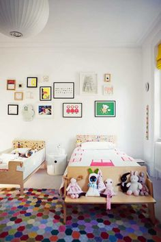 kid bedroom- let the kids decorate their beds w/ stickers & choose their own art collection