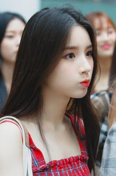 Photo album containing 16 pictures of HeeJin Kpop Girl Groups, Korean Girl Groups, Kpop Girls, Extended Play, These Girls, Cute Girls, Pretty Girls, Fandom, Ulzzang Girl