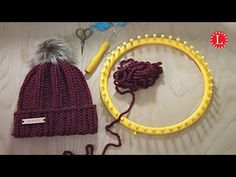 You can access more content by visiting the site. Have fun. A step by step video tutorial for a cozy, chunky easy rib stitch hat pattern. It is a beginner project that can be done quickly. Best of all, its unisex. Loom Knitting Stitches, Knifty Knitter, Loom Knitting Projects, Easy Knitting, Knitting Machine, Round Loom Knitting, Sewing Projects, Loom Crochet, Loom Knit Hat