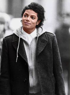 Awww..he looks so sweet here. #Love #MJ #MichaelJackson #KingofPop