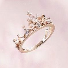 Princess crown ring - when i have a girl, this will be her 13th bday present from her daddy reminding her shell always be his princess (no boys til your 40)