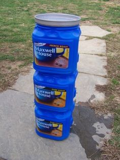 Make a simple, inexpensive flow-through indoor worm composter using coffee cans.In this tiny coffee can, my worms made more than enough castings to mix up over 15 gallons of tea! Source by artsyannietx Fishing Worms, Going Fishing, Best Fishing, Kayak Fishing, Fishing Tips, Fishing Stuff, Fishing Tackle, Walleye Fishing, Fishing Knots