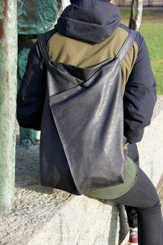 Mein gelber Rucksack löst sich langsam in seine Einzelteile auf. Nach fast zwei Jahren Dauerbelastung sei ihm sein wohlverdienter Ruhestand gegönnt. Ein neuer musste her. Ein simpler, bestehend aus zwei Teilen außen, zwei Teilen Futter plus Trägern, man hat ja … mehr