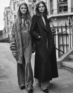Tapping a cast of upcoming faces, the fall-winter 2015 campaign from Zara TRF embraces inspired, oversized style. Fashion Catalogue, Winter Looks, Fall Winter, Mode Style, Style Guides, Editorial Fashion, Winter Fashion, Fashion Photography, Street Style