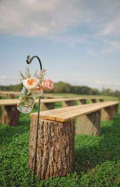 18 Cheap But Perfect Wedding Ideas Worth Stealing - Garden Decor Budget Wedding, Wedding Tips, Diy Wedding, Wedding Reception, Dream Wedding, Wedding Ceremony Seating, Weddings On A Budget, Garden Wedding Ideas On A Budget, Wedding Details