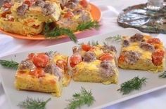 Potato gratin with meatballs / Chief-Cooker Quiche, Good Food, Yummy Food, Potato Dishes, Cook At Home, Potato Casserole, Meatball Recipes, Healthy Salad Recipes, Cherry Tomatoes