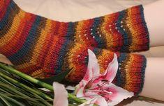 Ravelry: Vellamo pattern by Juurakko Creations Knitting Socks, Knit Socks, Knitting Ideas, Fun Projects, Leg Warmers, Fingerless Gloves, Mittens, Plaid Scarf, Knit Crochet