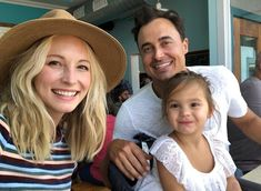 Candice King with her daughter Florence May King and husband Joe King on September 2018 in Portland, Maine. Klaus And Caroline, Caroline Forbes, Vampire Diaries Funny, Vampire Diaries The Originals, Candace Accola, Kayla Ewell, Michael Malarkey, Baby Tumblr, Candice King