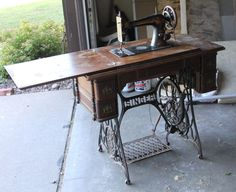 VINTAGE SINGER TREADLE SEWING MACHINE CAST IRON BASE, TABLE LEGS, INDUSTRIAL AGE | eBay