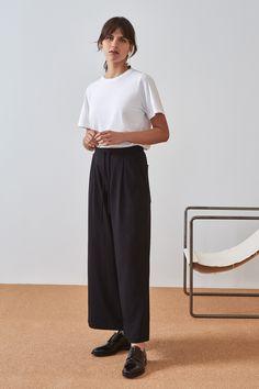 WE DASH LOVE wide leg pants wide leg pants organic cotton kowtow black pants Nudie Jeans, Handgestrickte Pullover, Boat Neck Tops, Longsleeve, Skirt Pants, Wide Leg Pants, Sustainable Fashion, Long Sleeve Tops, Legs