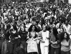 Women protest equal rights in New York. 13 Photos Of Women Fighting For Equal Pay Throughout History Equal Pay, Deneuve, Riot Grrrl, Intersectional Feminism, Patriarchy, Equal Rights, Photos Of Women, Before Us, Human Rights